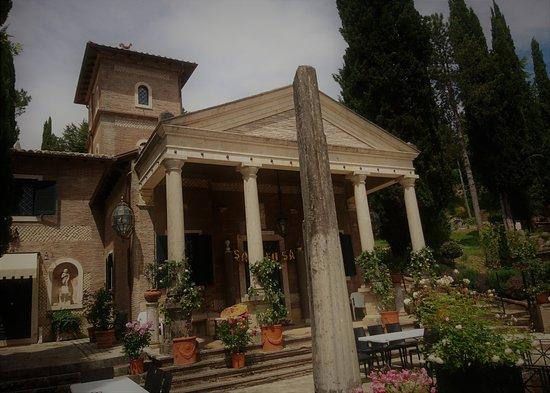 Ciciliano, Italia: Una passeggiata in una cittadina di duemila anni fa..