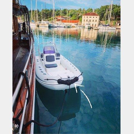 Ostrvo Brač, Hrvatska: Gulet Slano-dinghy with mustache-private cruise