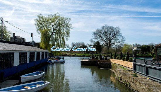 Lechlade, UK: Cotswold Canoe Hire