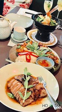 🥂TIME FOR DINNER 🥂  Das schönste Glücksgefühl erfährt man nach einem gelungenen Dinner mit der richtigen Person! Markiere deine Begleitung, mit der du dieses Dinner teilen möchtes !