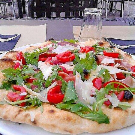 Pizzeria la Tana dal 1968照片