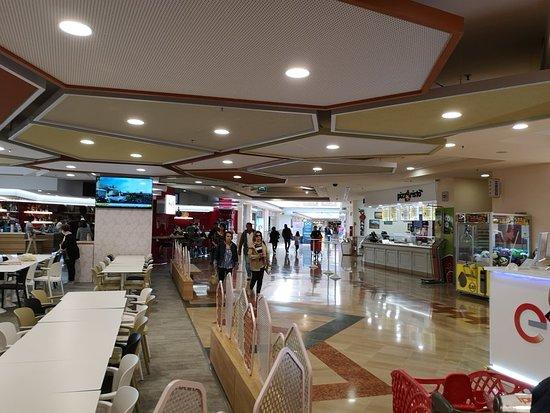 Centro Commerciale Mongolfiera