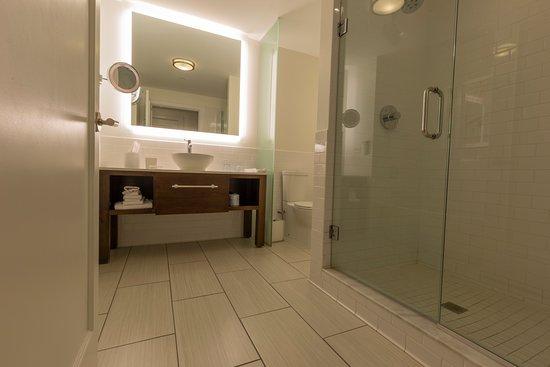 Bathtub on left (not shown)