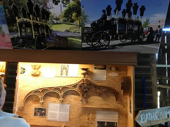 Lincoln funeral hearse