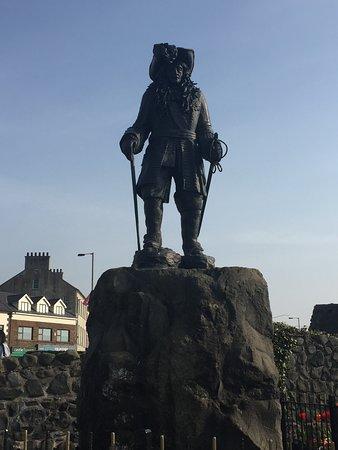 Carrickfergus, UK: King William 3rd Statue