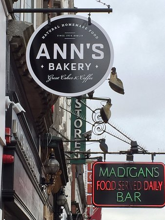 Ann's Bakery: Ann's on North Earl Street.