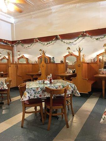 Jen\'s Alpine Cafe & Soup Ktchn, Baraboo - Menu, Prices ...