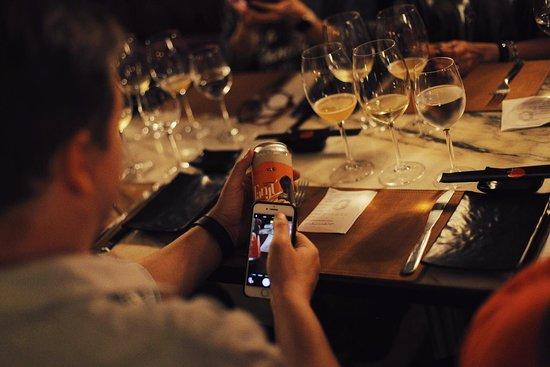 Temaki Lounge: Desfrute das melhore cervejas em uma experiência nova e descontraída: Cerveja vs Vinho.