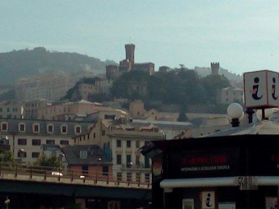 Genua, Italien: Plaza de Ferrari y vistas de Génova