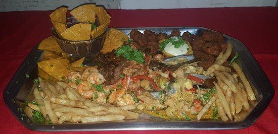 #puntarenastypicalseafood  Restaurante de mariscos.  Paseo de los turistas, 150 metros oeste del parque Lobo. Les esperamos!!!
