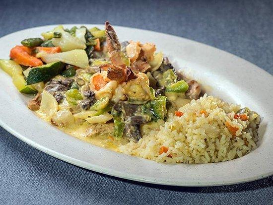 Mi Casa De Sabor Bar & Grill: Chicken Breast With Poblano Sauce