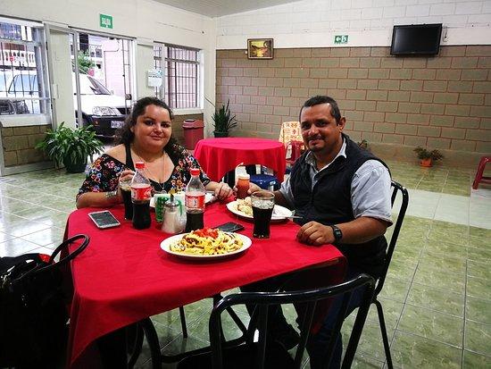 Restaurante El Buen Taco del Valle: A continuación te mostraremos algunas fotografías de nuestros nuevos amigos disfrutando de la estadía y alimentación en nuestro restaurante