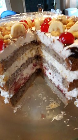 Mary's Corner Cafe & Catering: banana split cake
