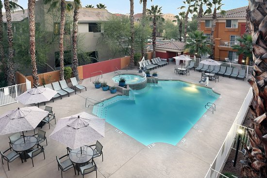 Holiday Inn Express & Suites Scottsdale - Old Town: Pool