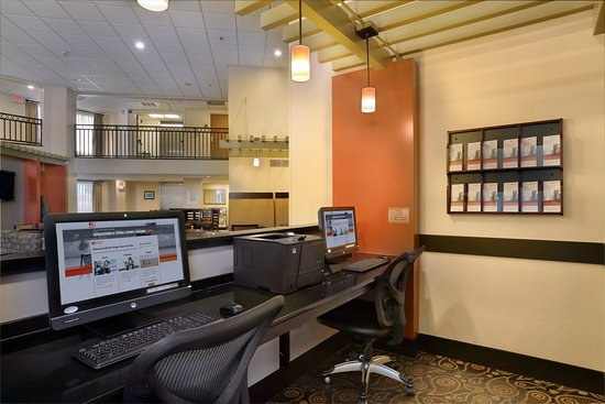 Holiday Inn Express & Suites Scottsdale - Old Town: Property amenity