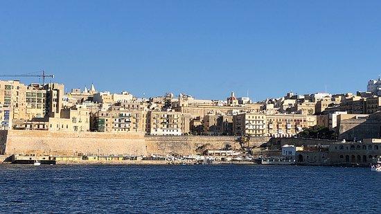 Valletta Ferry Services : Приятная прогулка в комфорте