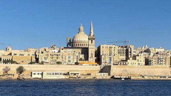 Valletta Ferry Services : Дёшево и быстро! Очень красиво!
