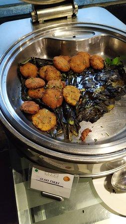 Peninsula Restaurant: Aloo Tikki