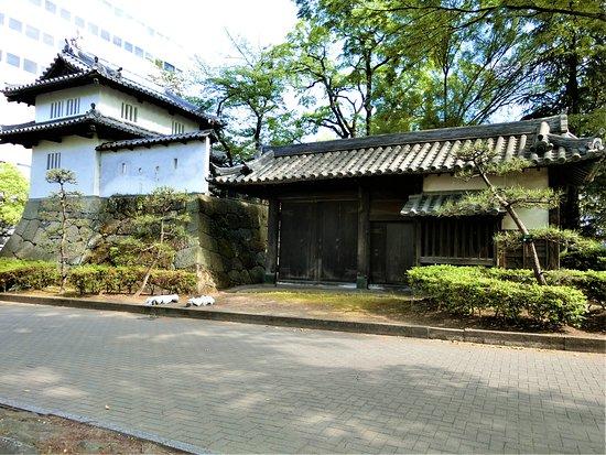 高崎城跡~5(乾櫓と東門)