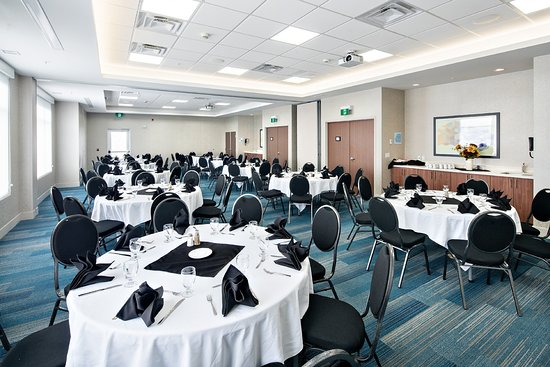Holiday Inn Express Red Deer North: Ballroom