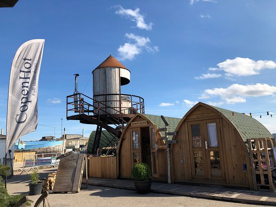 CopenHot HotDays: outside entrance (changing cabins and saunas are this shape cabin too)