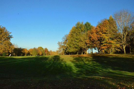 Chacombe, UK: Our stunning course in the Autumn sunshine