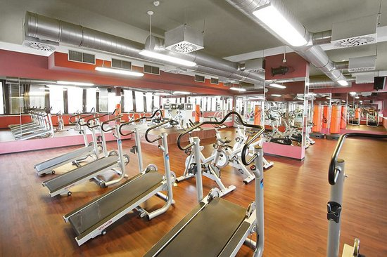 Form Factory Fitness Center Evropská