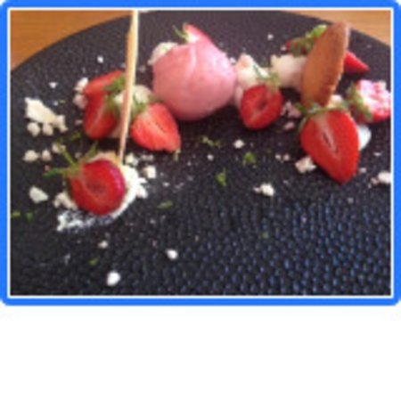 Le Temps des Cerises: dessert au fraises