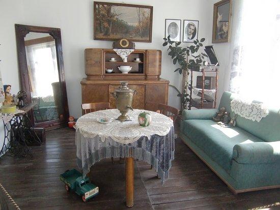 Комната среднего жителя Калининграда середины 60- х годов  прошлого века.