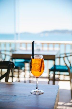 Aperol Splitz con vistas al Mediterráneo