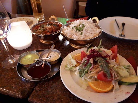AMRIT - Mitte: Salaattia alkuun