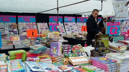 Leamington Spa, UK: Looking for some new books? Visit us every Saturday and Bank Holiday Monday from 9am to 3pm.