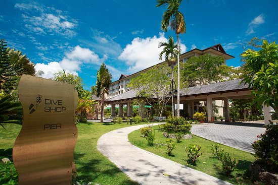 Palau Royal Resort: Exterior