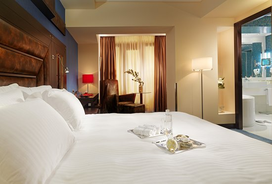 Crowne Plaza Hotel - Athens City Centre: Guest room
