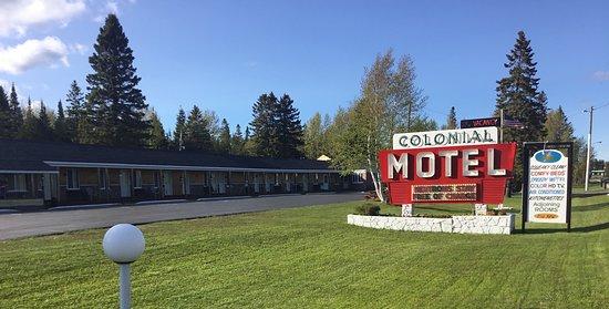 Colonial Motel, hoteles en Manistique