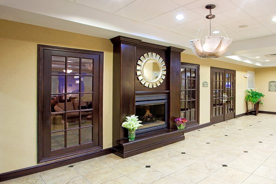 Holiday Inn Express Hotel & Suites Chestertown: Lobby