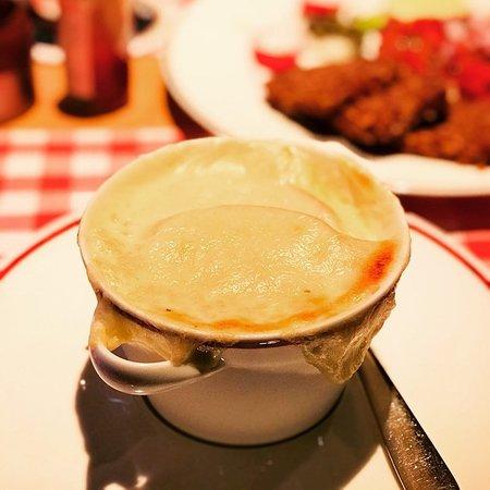 BLOCK HOUSE Munchen: French Onion Soup
