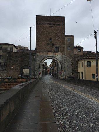 Padova, Itálie: porta ponte Molino