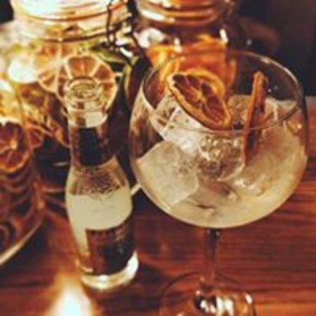 The Flying Childers Inn: G&T available at the bar