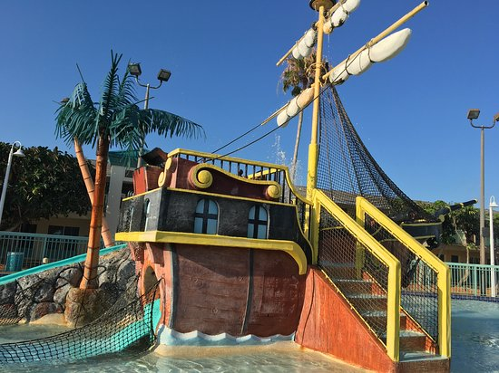 International Palms Resort & Conference Center Cocoa Beach: Pirate ship with water cannons and slides climbing areas and stairs