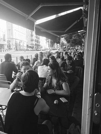 Tonneau de Diogene: Pub ouvert 7/7