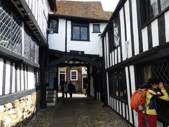 Archway between two parts of the Mermaid Inn.