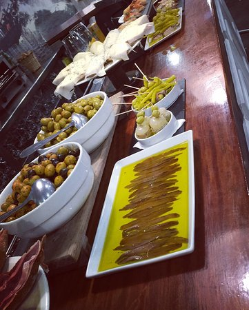 olives anchois etc...