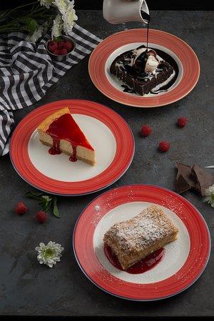 Брауни с шариком мороженного Домашний сырный торт Наполеон