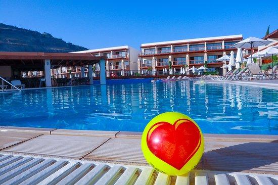 Island Blue Hotel: Lige billeder fra værste første besøg til Pefki Island resort / Island blue