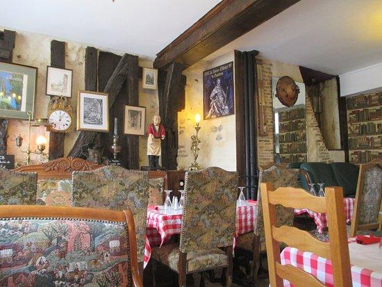Comfortable restaurant with interesting decor