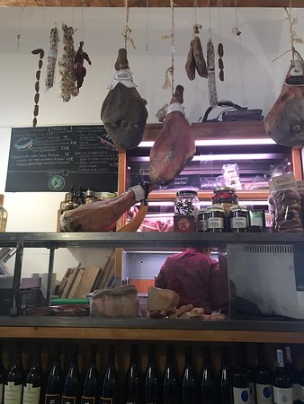 Amazing food, high quality meats  and warm friendly service!! A must do !