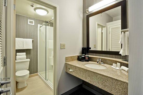 Courtyard Dallas Medical/Market Center: Guest room
