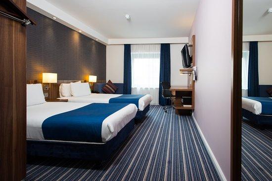 Holiday Inn Express London-Wimbledon-South: Guest room