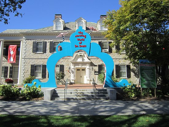‪The Amazing World of Dr. Seuss Museum‬